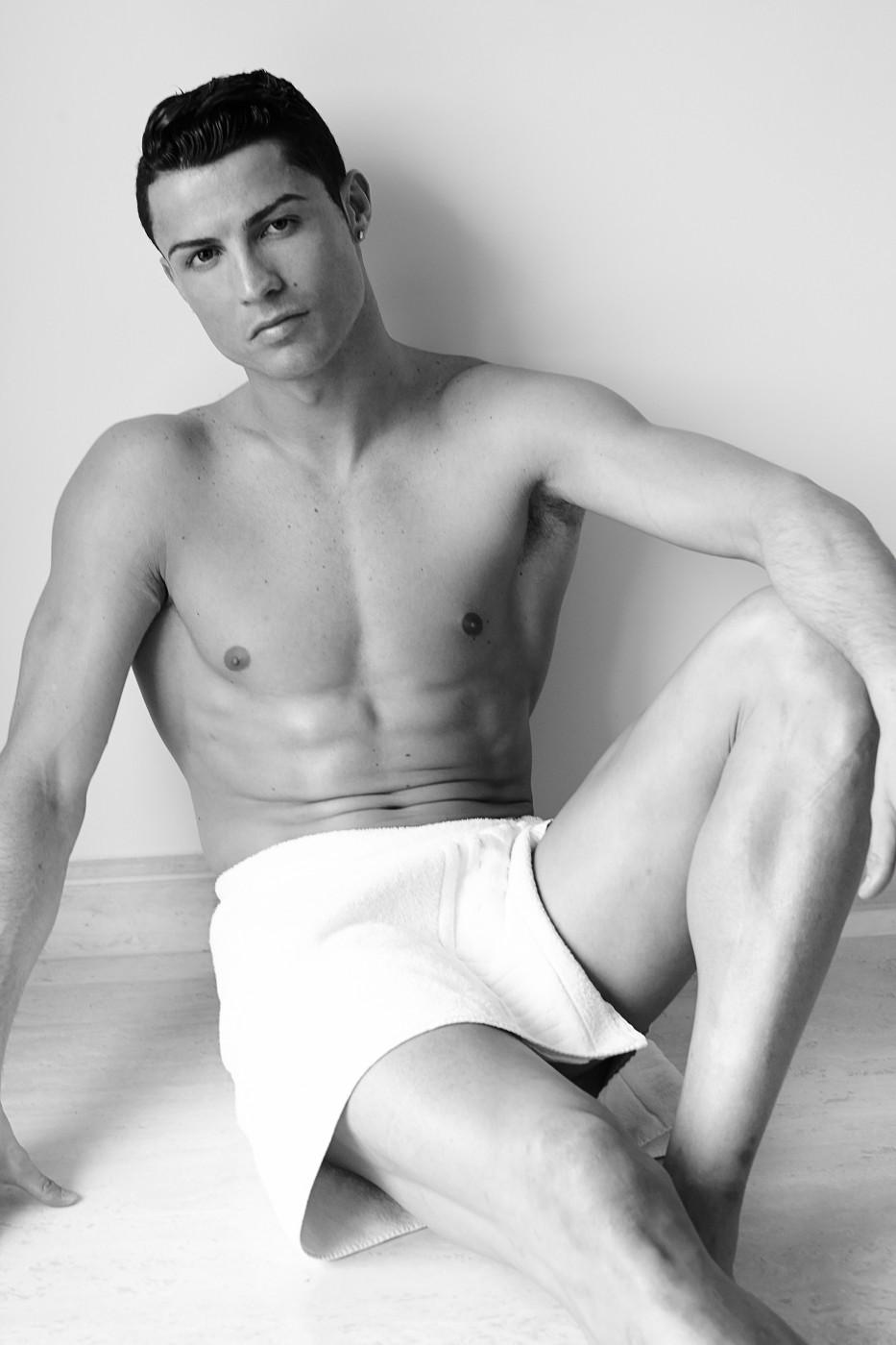 """Résultat de recherche d'images pour """"cr7 towel serie"""""""